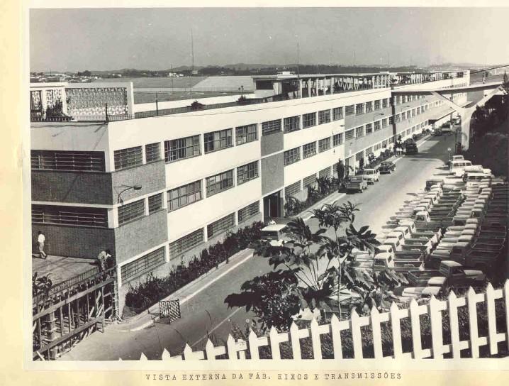 Vista Externa da fabrica de Eixos e Transmissoes